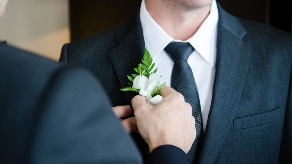 Fashion, department stores see strong August, weddings drive formalwear